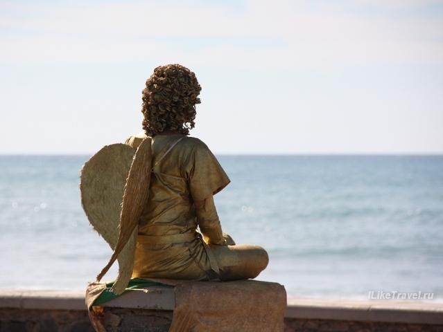 Ангел на набережной в Маспаломас, Гран Канария