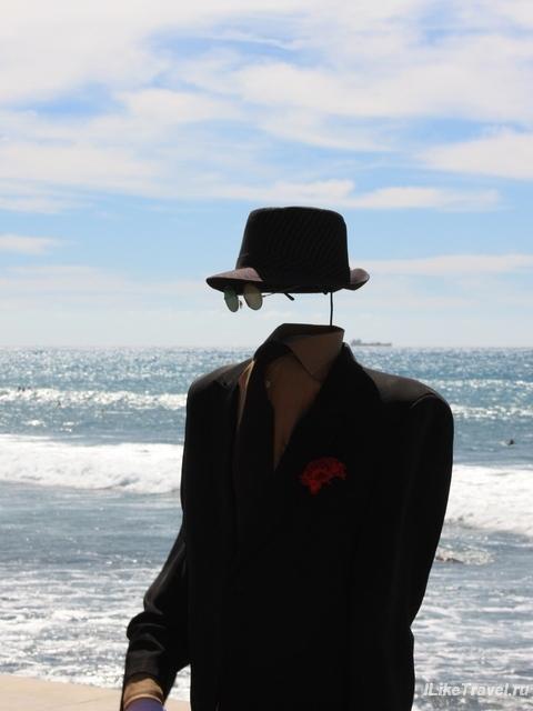 Человек-невидимка на набережной за Маспаломас, Гран Канария