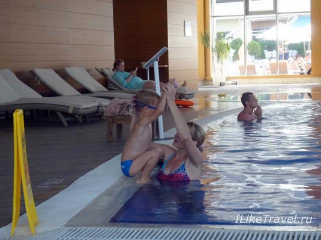 Кемпински Геленджик обучение плаванию
